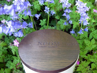 Neom-wooden-candle-lid