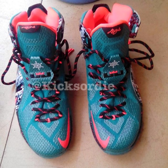 d38bf7f40ac09 First Look Nike LeBron XII 12 8220Christmas8221