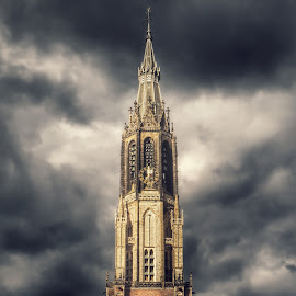 Delft Old Chruch by Roland Deroo - Buildings & Architecture Statues & Monuments ( clouds, detail, church, netherlands, delft )