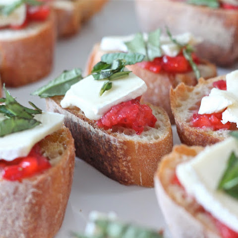Easy Appetizer | Strawberry Brie Bruschetta