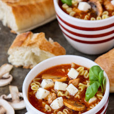 Slow Cooker Lasagna Soup with Chicken and Mushrooms
