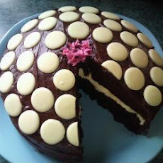 Delicious And Moist Fresh Cream Chocolate Fudge Cake