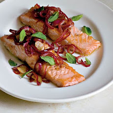 Salmon With Sweet & Sour Red Onions