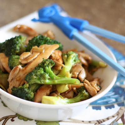 Ginger Chicken and Broccoli Stir Fry with Oyster Sauce