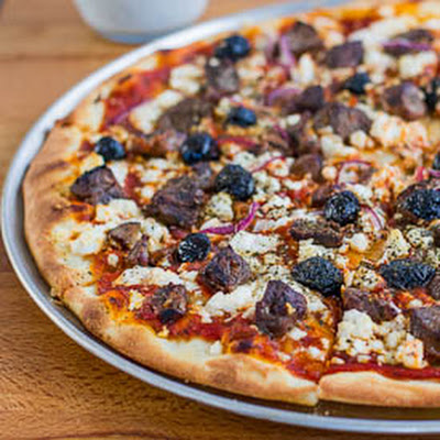 Lamb Souvlaki Pizza with Tzatziki Sauce