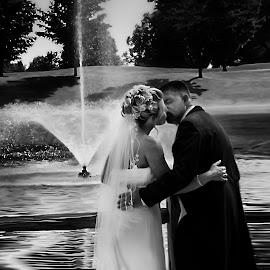 by Tanya Hilliker - Wedding Bride & Groom (  )