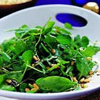 Spinach Salad with Balsamic and Honey Dressing