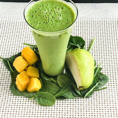 Pear Spinach Mango Smoothie