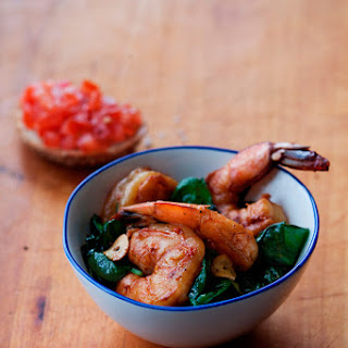 Shrimp with Spinach, Garlic, and Smoked Paprika
