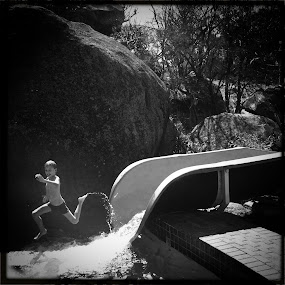 Fun In The Sun by Gareth  Evans - Instagram & Mobile iPhone ( hipstamatic b&w boy child fun water )
