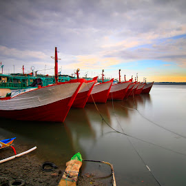 show off by LeeMonz Moonz - Transportation Boats ( transport, boats, landscape )