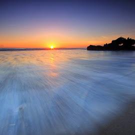 Yeh Gangga in Motion by Sunan Tara - Landscapes Sunsets & Sunrises ( water, bali, waterscape, twilight, seascape, beach, tabanan, landscape, sun, love, temple, yeh gangga, indonesia, sunset, gangga beach, motion )