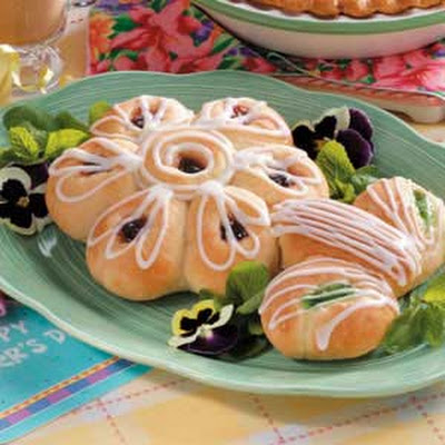 Blooming Sweet Rolls