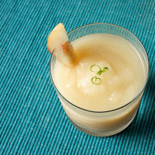 Sweet Peach Frozen Daiquiri With White Pepper and Green Tea