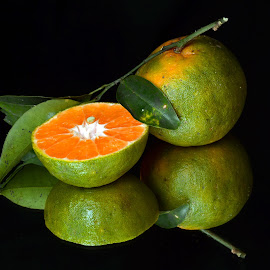 Fresh n juicy orange by Asif Bora - Food & Drink Fruits & Vegetables