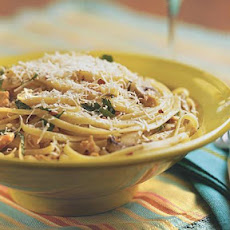 Linguini in garlic clam sauce