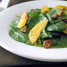 Baby Spinach Salad with Toasted Hazelnuts, Pear, and Parmesan Recept ...