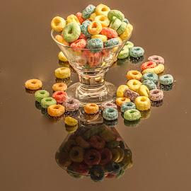 fruit loops by Rajeev Krishnan - Food & Drink Plated Food ( food, breakfast, fruit loops, food photography, cereal )
