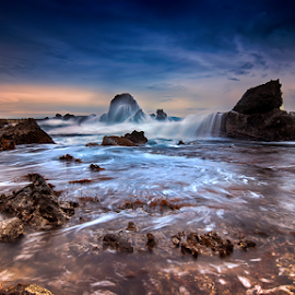 Waiting the squirt by Aditya Permana - Landscapes Waterscapes