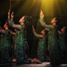 tradisional dance.jpg
