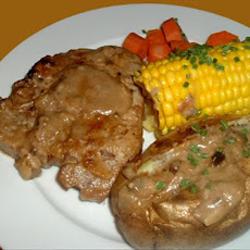 Tasty Apple Pork Chops & Potatoes