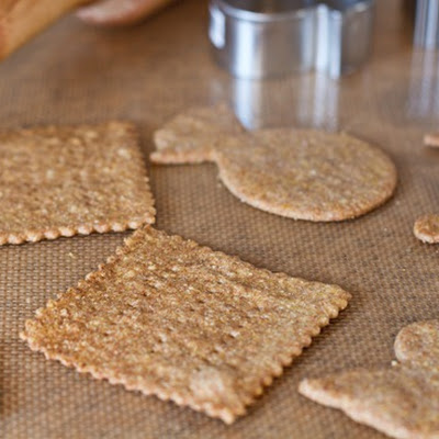 Easy Cheezy Crackers