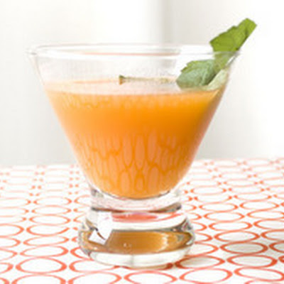 Apricot and Mint Cocktail