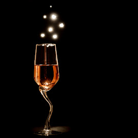 Rosé by Arti Fakts - Food & Drink Alcohol & Drinks ( lights, wine, rose, tasty, rosé, alcohol, drink, glass, pink, sparkle, artifakts, light )
