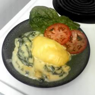 Halibut with Spinach and Cheese Sauce