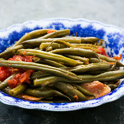 Green Beans with Tomatoes and Bacon
