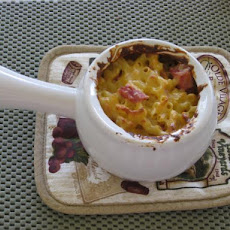 Carries Macaroni and Cheese With Ham
