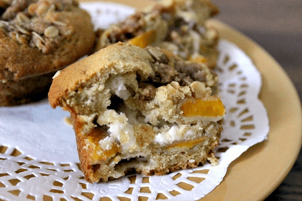 Peaches and Cream Muffins with Streusel Recipe | Yummly