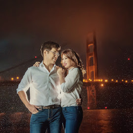 Golden Gate by Cesar Palima - People Couples