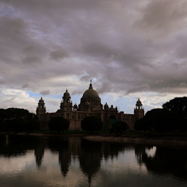 victoria shade by Anindya Karmakar - Landscapes Travel ( water, reflection, building, cloud, architecture )