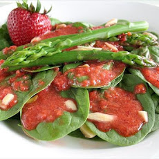 Spinach-Asparagus Salad With Strawberry Dressing