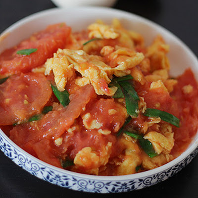 Stir-fried Tomatoes With Beaten Eggs