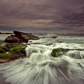 Rough by Choky Ochtavian Watulingas - Landscapes Waterscapes ( clouds, sunset, wave, cloudy, beach )