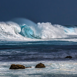 North shore beauty by Kelly Headrick - Nature Up Close Water ( shore, waves, wave, north shore, sea, ocean, seascape, surf, hawaii, oahu,  )