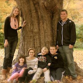 Cousins! by Karen Bragelman Weyburg - People Family (  )