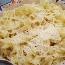 Butter and Cheese Noodles(Makaronia)