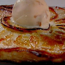 Apple Tart Fine With Caramel Ice Cream