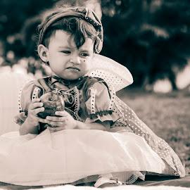 Branca de Neve by Aldemir Vieira - Babies & Children Children Candids ( branca de neve, ensaio, bebê )