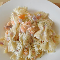 Bow Tie Pasta With Smoked Salmon and Cream Cheese