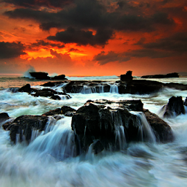 keep flowing by Raung Binaia - Landscapes Waterscapes