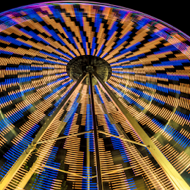 Big Wheel  by Pedro Galvao - Abstract Light Painting