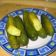 Garlic & Dill Pickled Cucumbers (Gherkins)