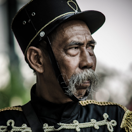 Puro Pakualaman Soldier by Krisdian Isnu Wardana - People Street & Candids ( portraits, people, man )