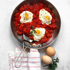 Poached Eggs with Chunky Tomato Sauce