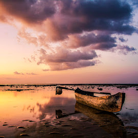 Wait by Sonny Saban - Transportation Boats ( wallpaper, beach, seascape, landscape, rote ndao )