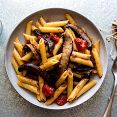 Pasta With Slow-Cooked Portobello Mushrooms